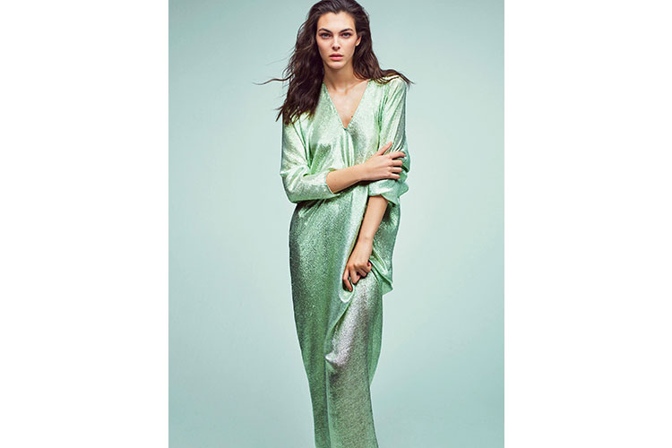 Iconic and impactful collection by Alberta Ferretti 05 01 18 5